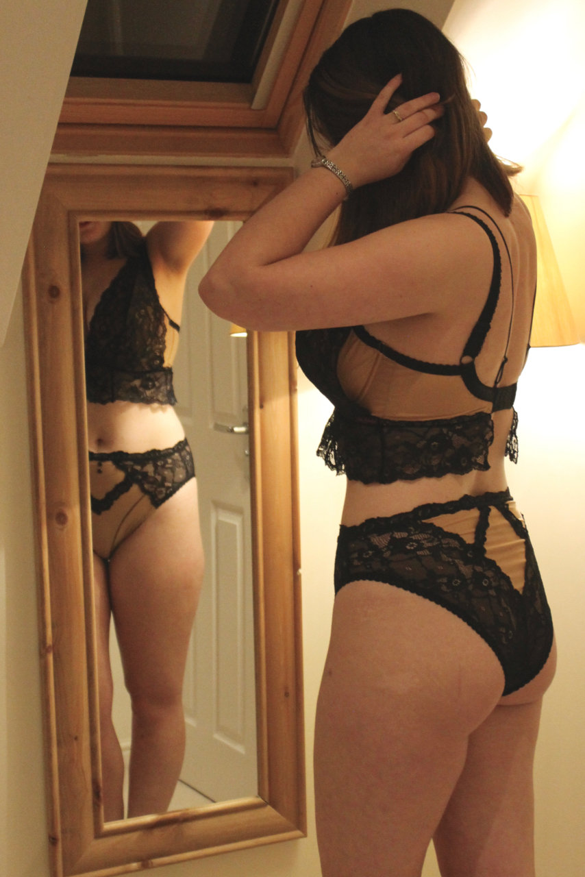 Ewa Michalak PL Croptop Maskarada review: 65G