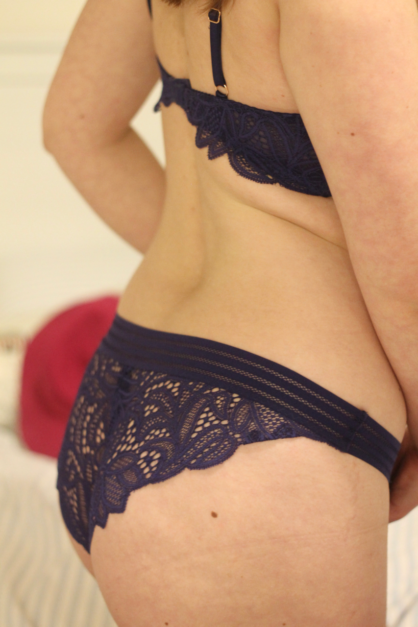 Lepel Charlie Triangle Bra & briefs review - Big & Little Cup review