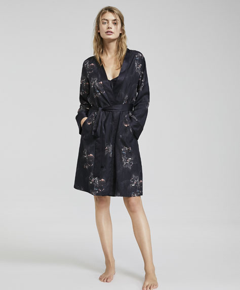 Oysho Sateen dressing gown with dotted floral print